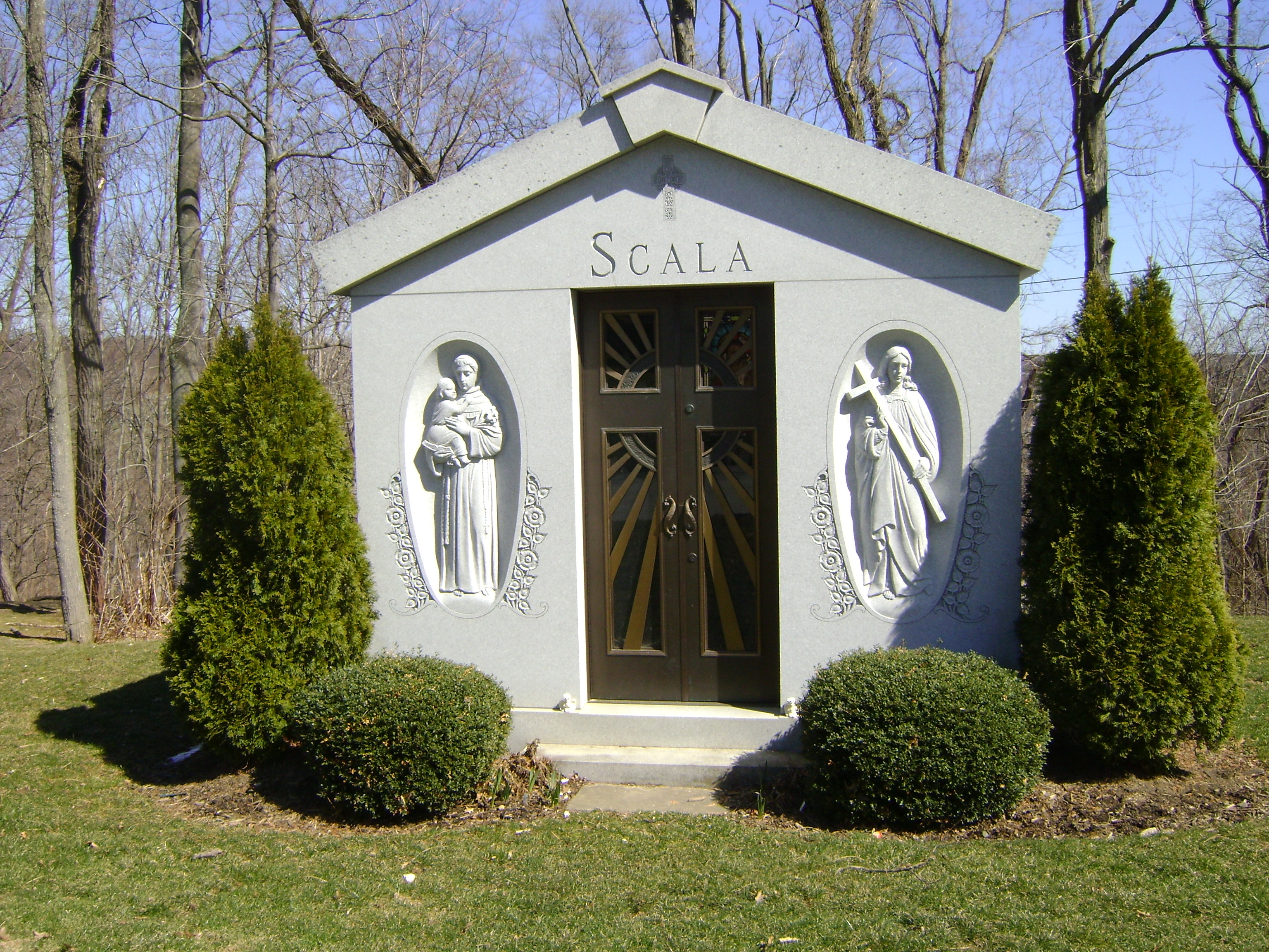 Polchinski Memorials New York - Scala Featured Memorials